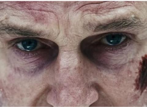 Liam Neeson Calls 911